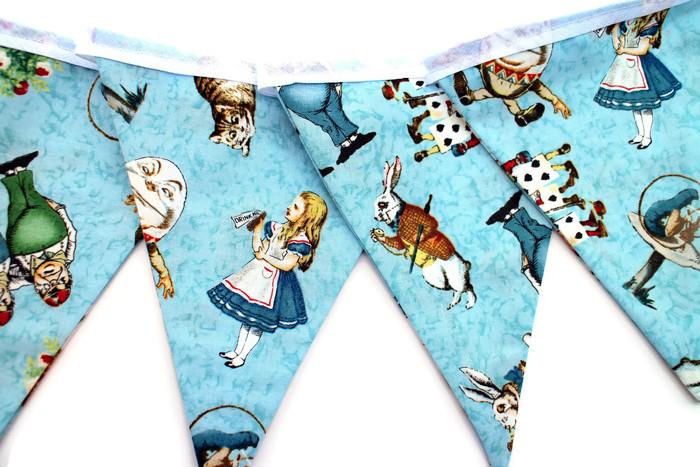 Alice_in_Wonderland_garland